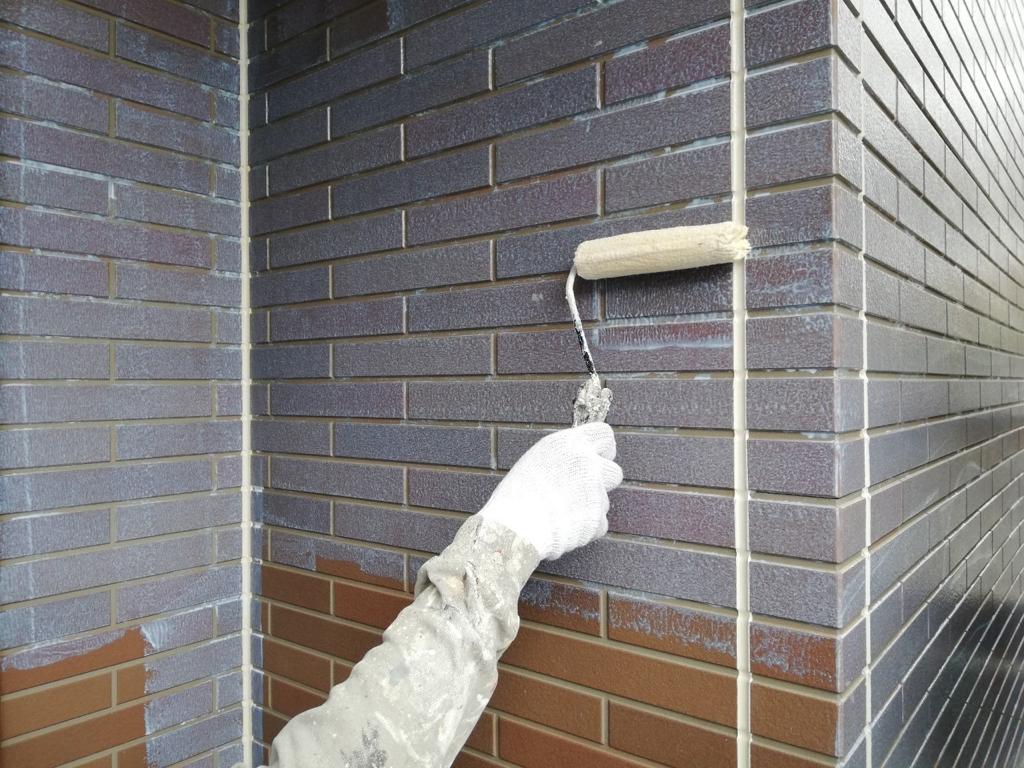 外壁塗装の下塗りは地味だけど重要
