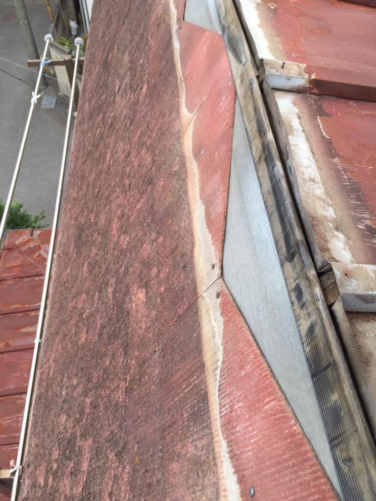 台風で屋根が吹き飛び屋根修理が必要