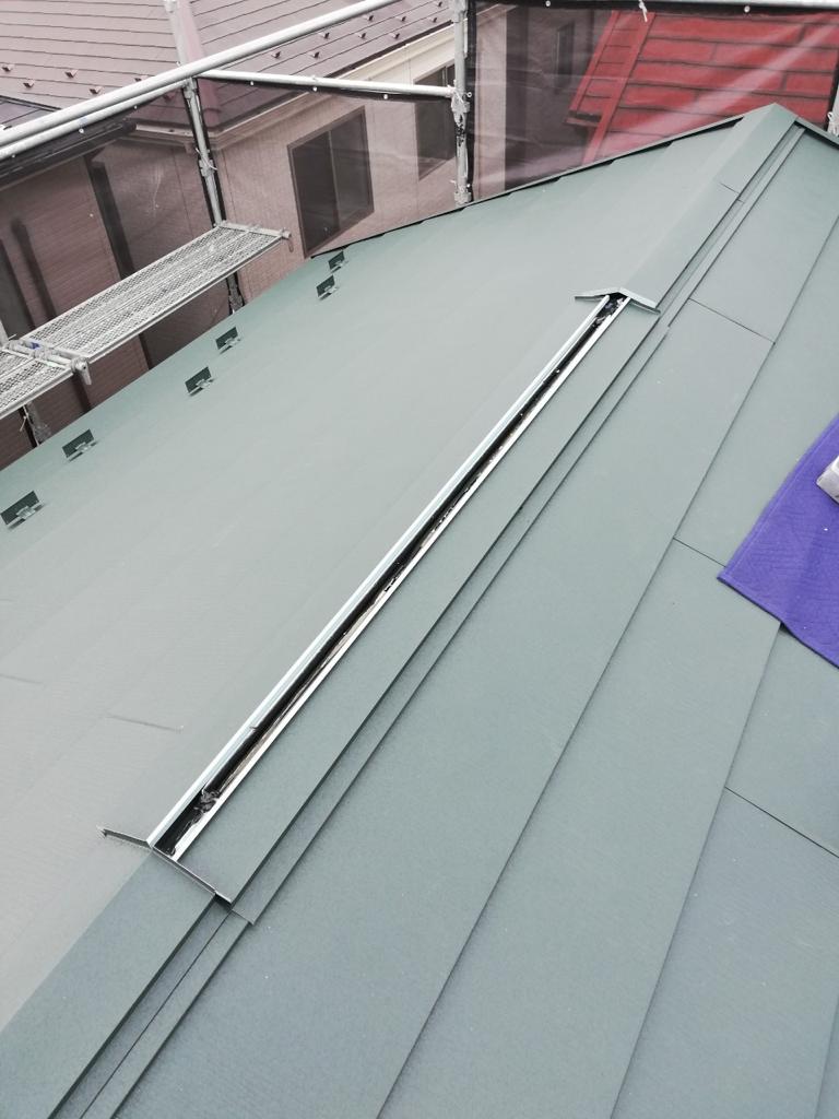 屋根修理で人気のあるガルバリウム鋼板を採用